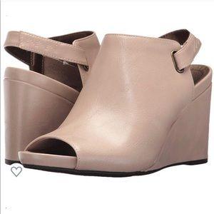 Lifestride taupe 'Hazy' wedge peeptoe sandal